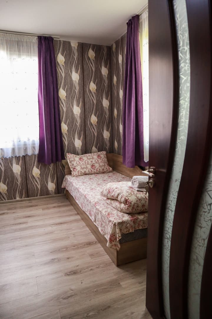 Bungalow for 2 or 3 persons in the lovely forest