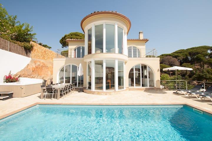 ★ CoastalVillas - Villa Gaudi ★ AC, exterior spa