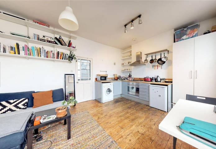 Light and Cosy One Bed Apartment in Dalston