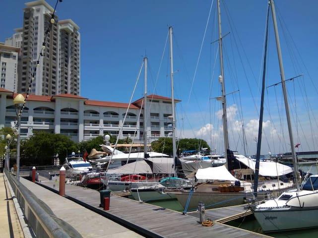 Straits Quay Marina Mall, Suites @ Waterside槟城海峡港口