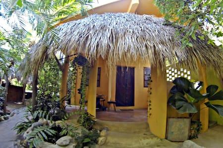 cabanas maracuya #1 - Brisas de Zicatela