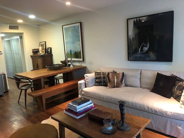 Stylish & Conveniently located West Hollywood Apt