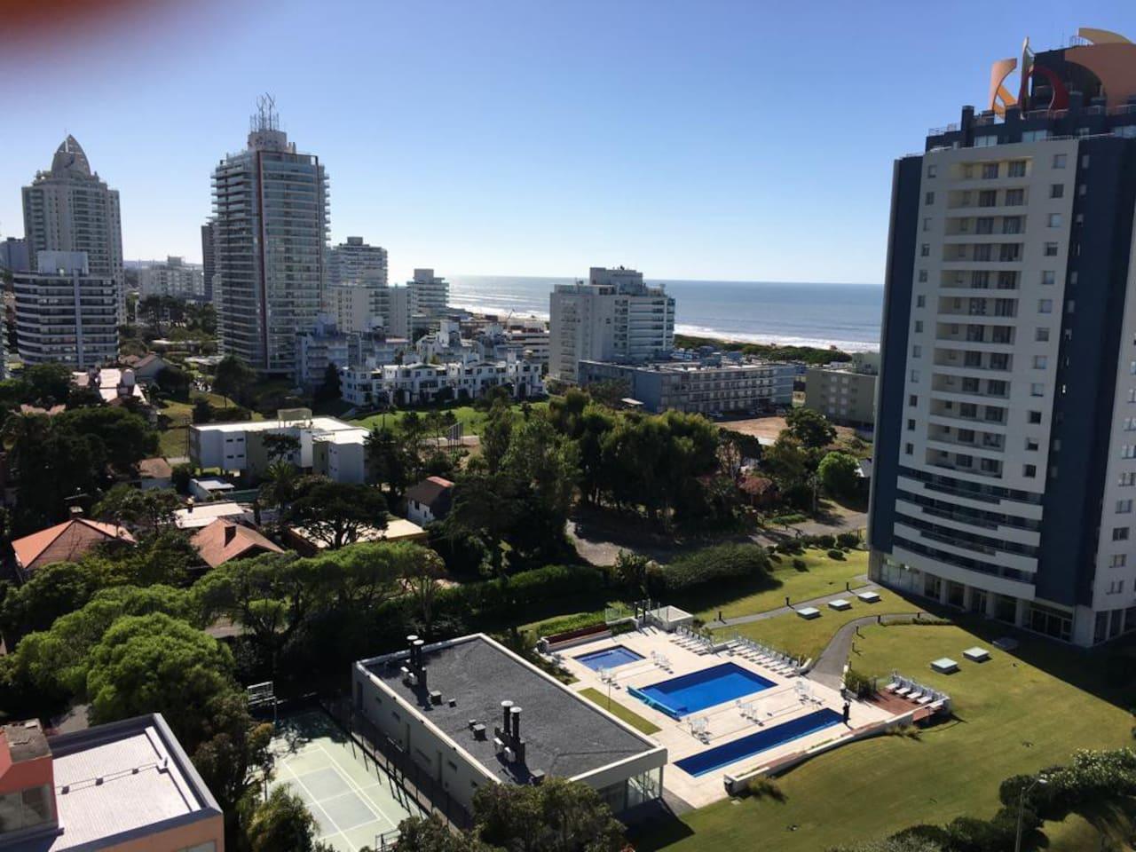 Vista desde el apartamento,playa brava donde se puede ver salida del sol