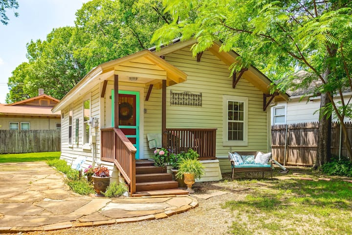Birdie's Cottage in Historic McKinney