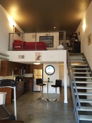 Perfect Street-Level Downtown Loft, Best Location - San Diego - Lakás