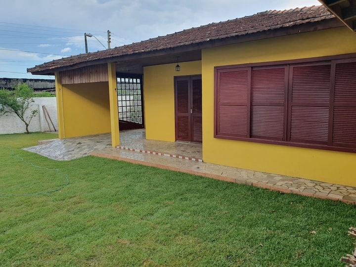 Casa aconchegante na Praia do Campeche
