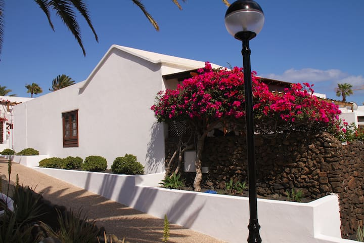 Playa Flamingo, right by the beach - Playa Blanca - Apartemen