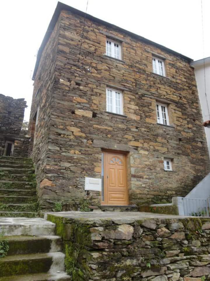 Abrigo do Outeiro - Serra da Estrela - Cabeça