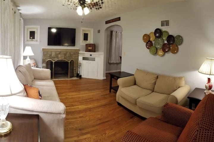 Special September pricing! ~Great location book now~ W