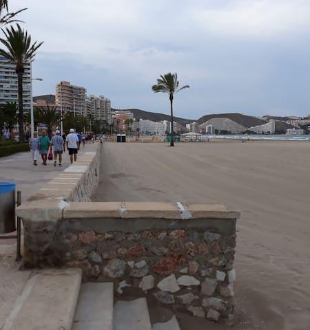 Casa 3 habitaciones 360 m de playa Cullera. Aire A