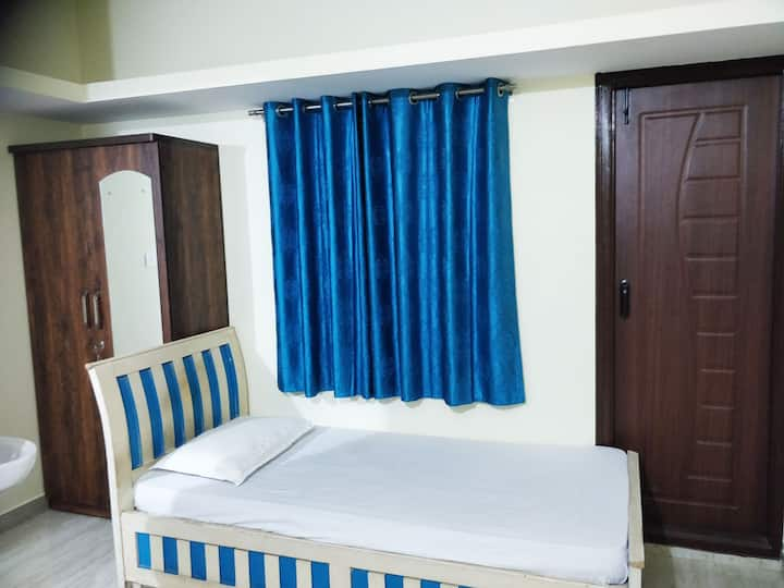 Private and furnished studio flat in J.P. Nagar