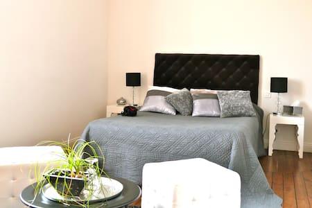 Chambre d'hôtes Famille NORMAND - Rosnay - Şehir evi