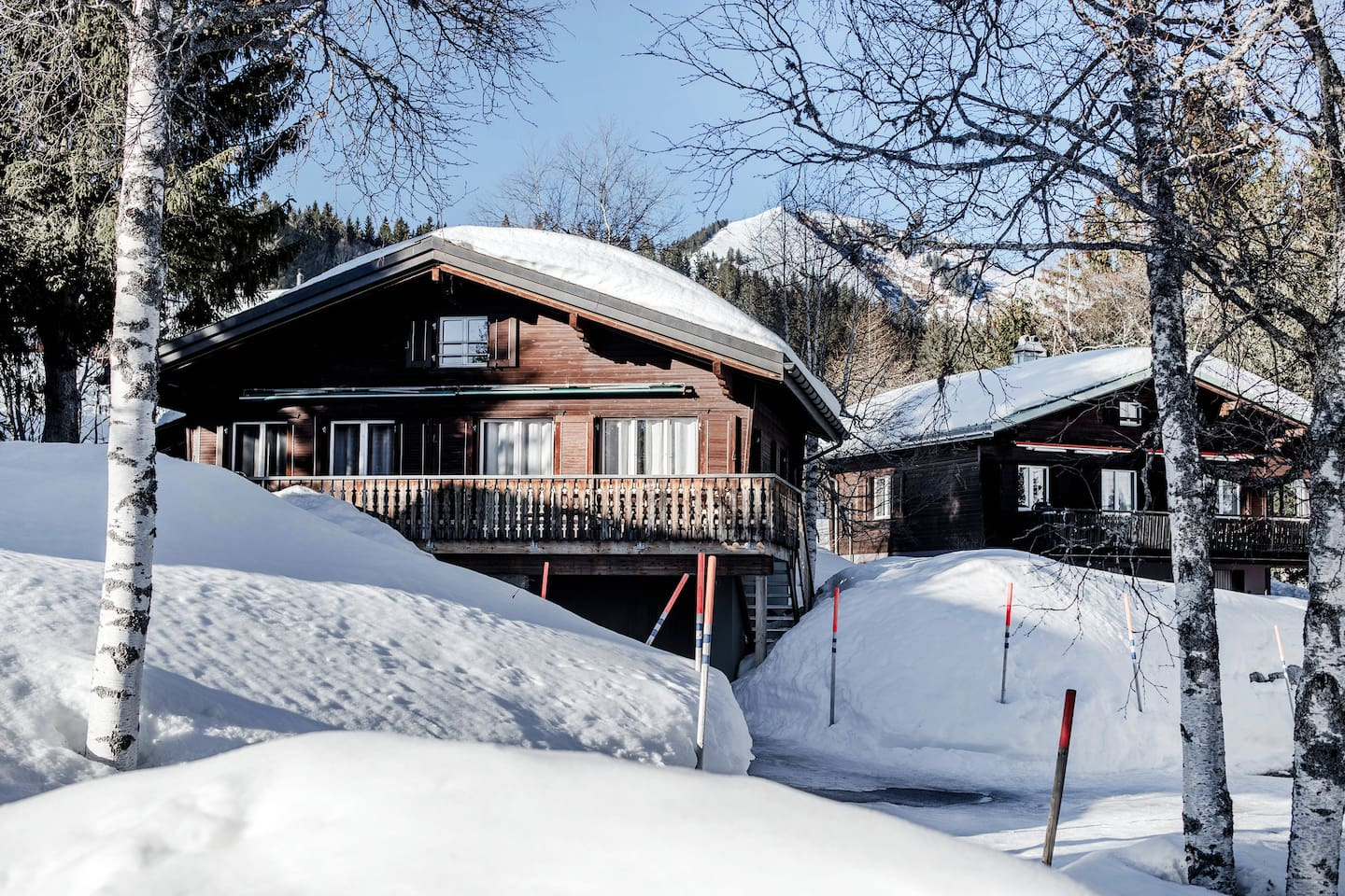 Our two connected and newly renovated Chalets bordering the forest. Ski in & out. Sauna.