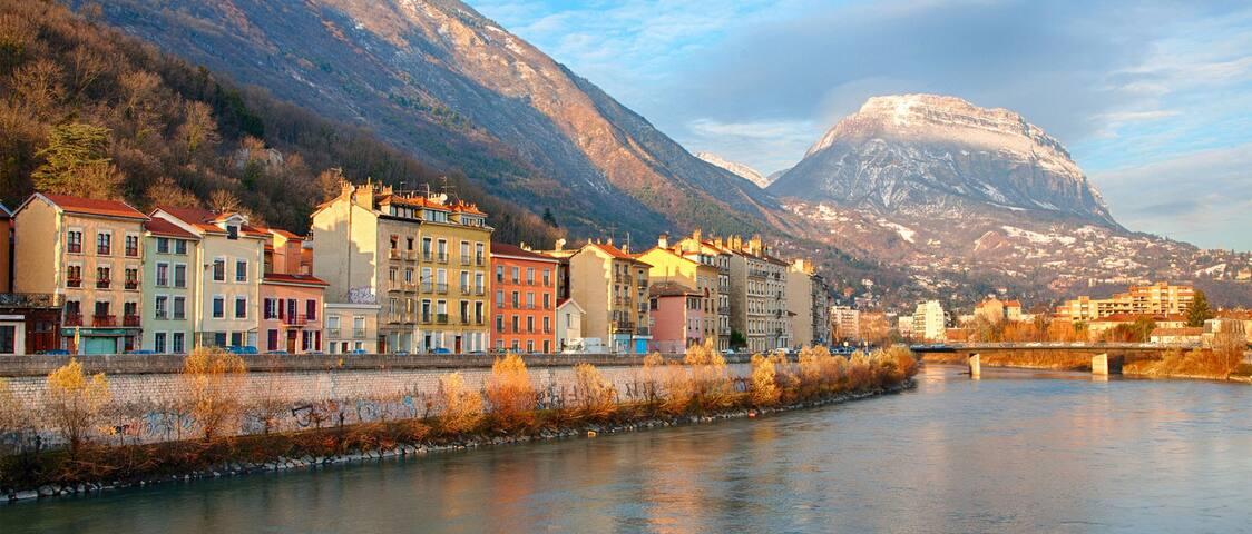 Grenoble et le quartier des Quais