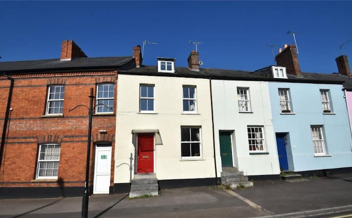 3 Bedroom Character Townhouse nr Blackdown Hills