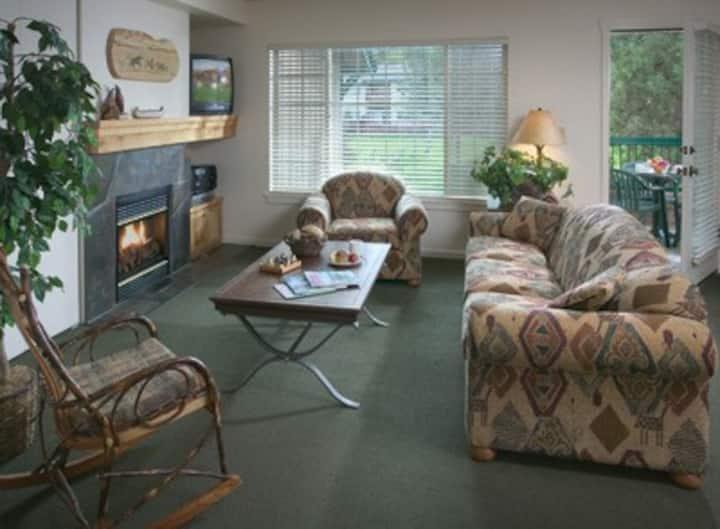 Klamath Falls 1 bdrm resort condo  Running Y