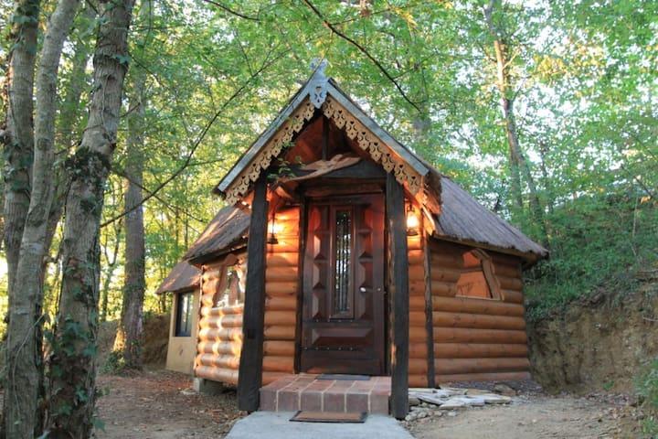 Cabane en bois insolite A Kota- Piscine chauffée