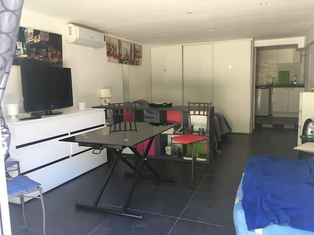 Studio  Côte d'Azur entre Cannes et Grasse