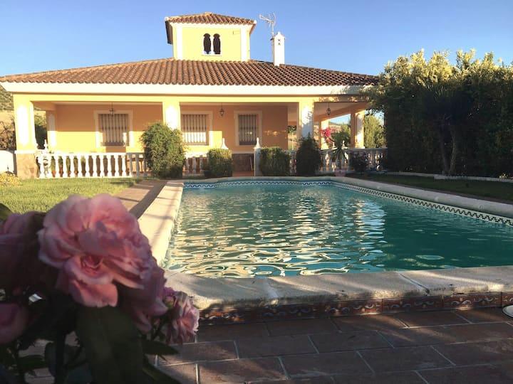 Villa La Clavela. Setenil, Torre Al-Haquime