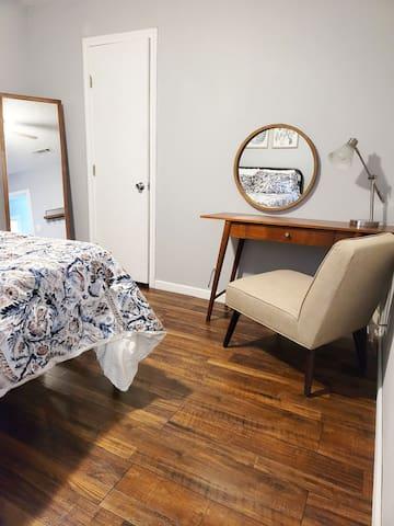 Bedroom 3 w/ Desk