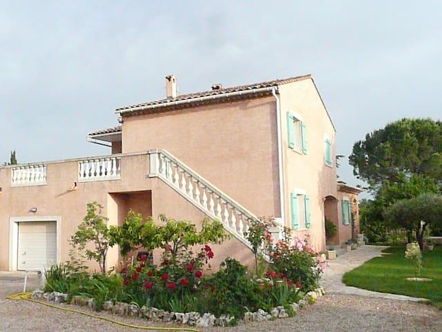 Dans villa appart 60m2  indépendant avec terrasse - Canet