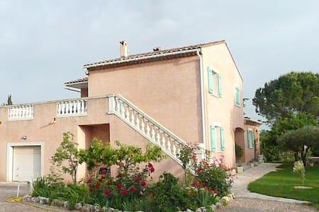Dans villa appart 60m2  indépendant avec terrasse - Canet - Apartamento