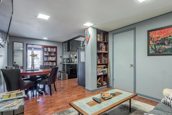 2 room apt w/game table, bunk bed, office,backyard