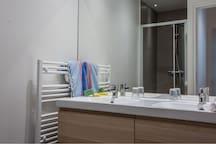 Salle de Bain 2 douche lavabo
