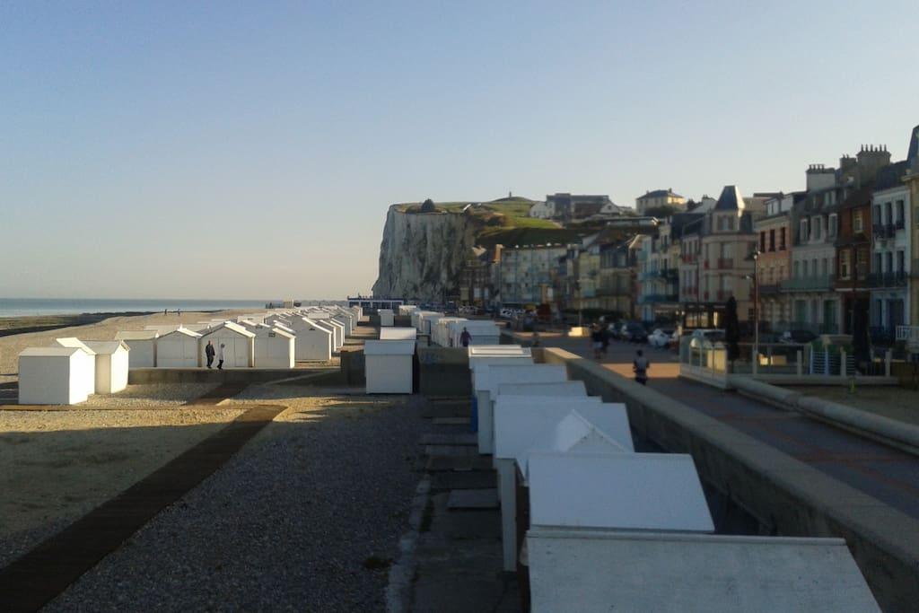 La plage à 40m / Beach at 40m