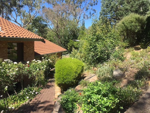 2 bedrooms available in the Adelaide Foothills - Glenalta - Dům