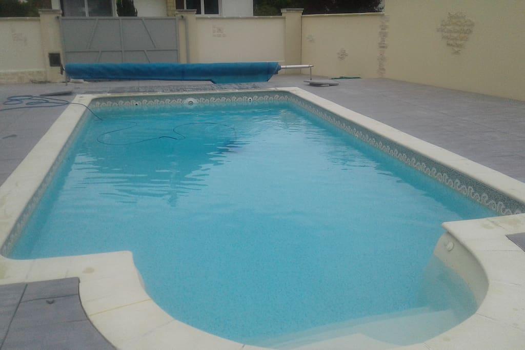 Grande maison avec piscine chauffee caen venoix maisons for Piscine caen