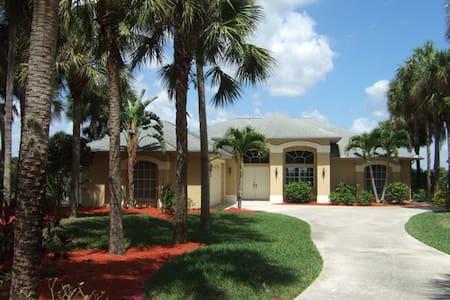 Luxuriöses Haus am Naturschutzgebiet  sehr ruhig - Lehigh Acres