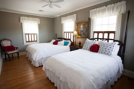 The Grandview Inn Bed and Breakfast Osage Room - Pawhuska