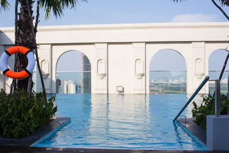 AWESOME ROOFTOP POOL, Best location - Ho Chi Minh City - Appartement