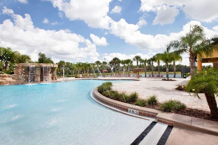 Orlando 4BR/3BA Disney Vacation Home (2907)