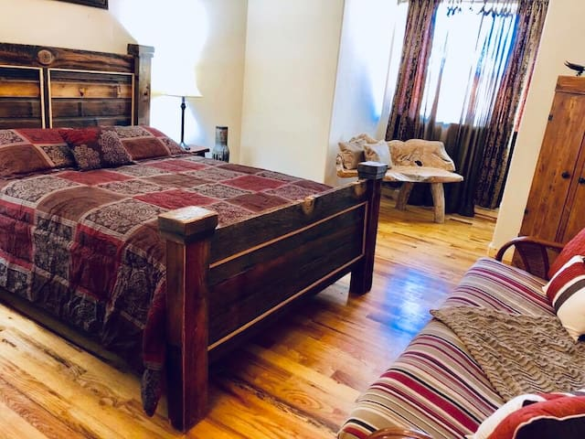 See all the parks! Bed + Futon, Private Bath, view