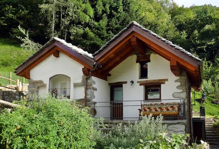 Charming, restored cottage sleeps 6 - Fontainemore - Ház