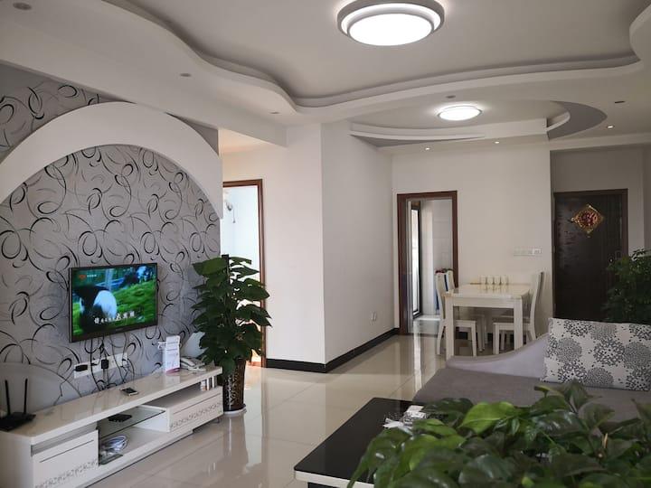 美宇凤凰城(邻新川北医学院)温馨舒适二居室