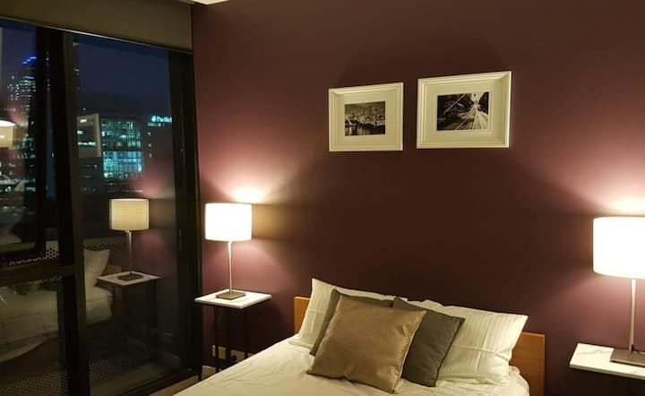 Monthly stay - 15th floor/City View/Ensuite/WiFi/
