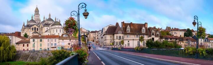 Le logis du puy St Front, gîte* urbain, Périgueux