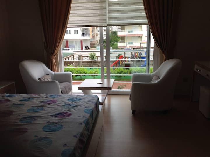 Комфортная и уютная квартира в 200 м от моря