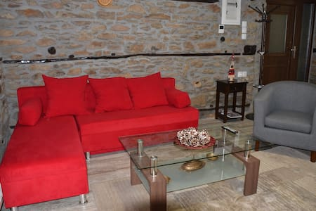 Spacious Stone Built Home- Polipotamos-Florina