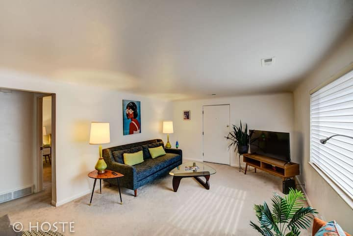 1BR☮70's Inspired☮Close To Broadmoor & Downtown