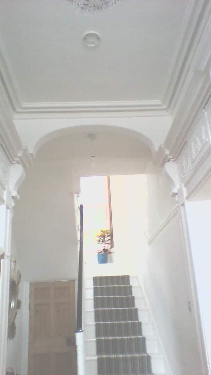 Top floor of house sleeps 5/6