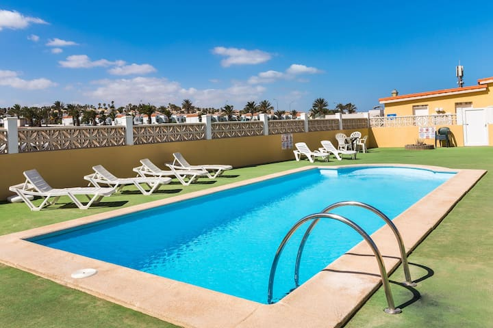 Beach House Close to Sandy Coast with Rooftop Terrace, Ocean View, Pool & Wi-Fi; Parking Available