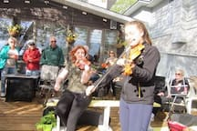 Local talent entertaining our guests. Playing Canadian Old Time Fiddle Music and lovely waltz tunes.