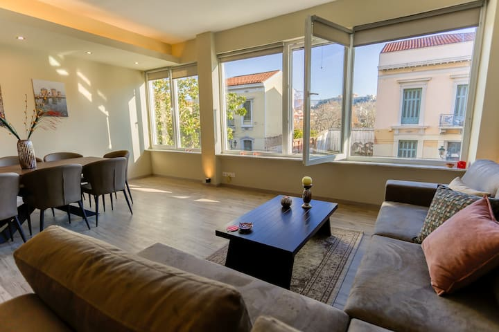 Modern & Cozy Apartment with Acropolis view