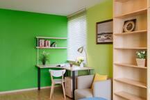 可工作和学习的小书房角