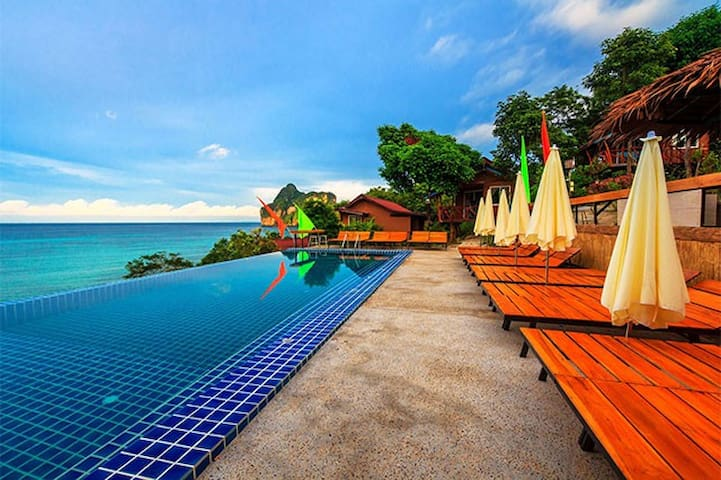 Cute Double AC Bungalow on Phi Phi!