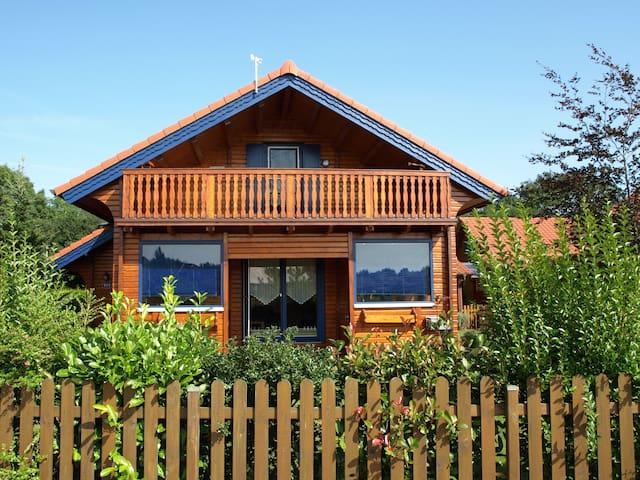 Ferienhaus Kleiner Seeräuber - Urlaub im Seepark - Walchum - บ้าน